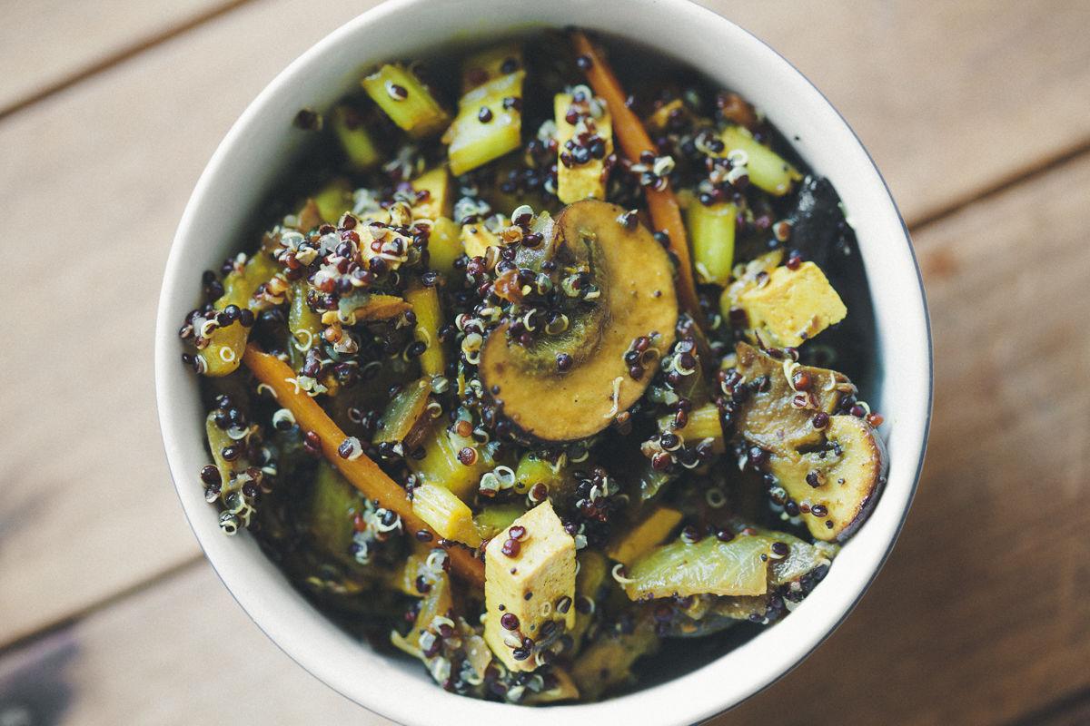 Tofu Salteado Con Verduras Y Quinoa
